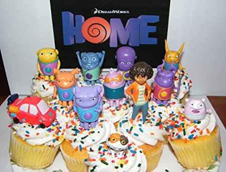 Amazon Com Dreamworks Home Figure Set Of 13 Deluxe Cake Toppers Large Cupcake Decorations Party Favors Featuring Oh Tip Pig Space Car Baby Boov And More Everything Else