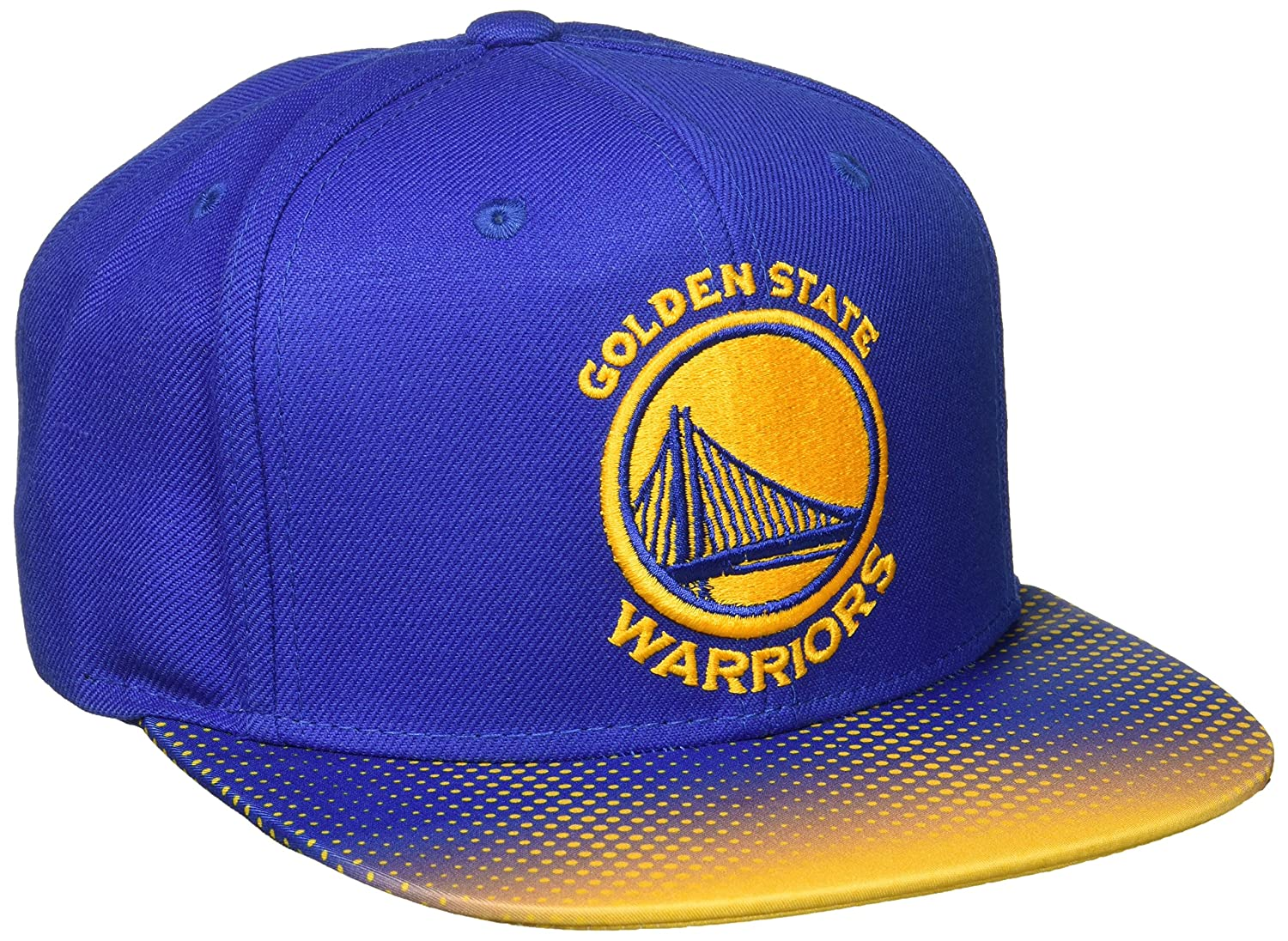Amazon.com   NBA Golden State Warriors Men s Tail Sweep Flat Brim Snapback  Hat 9d0b4a906f8