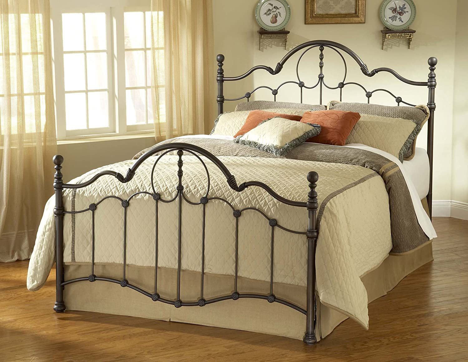 Amazon.com: Hillsdale Furniture 1480BQR Venetian Bed Set with ...
