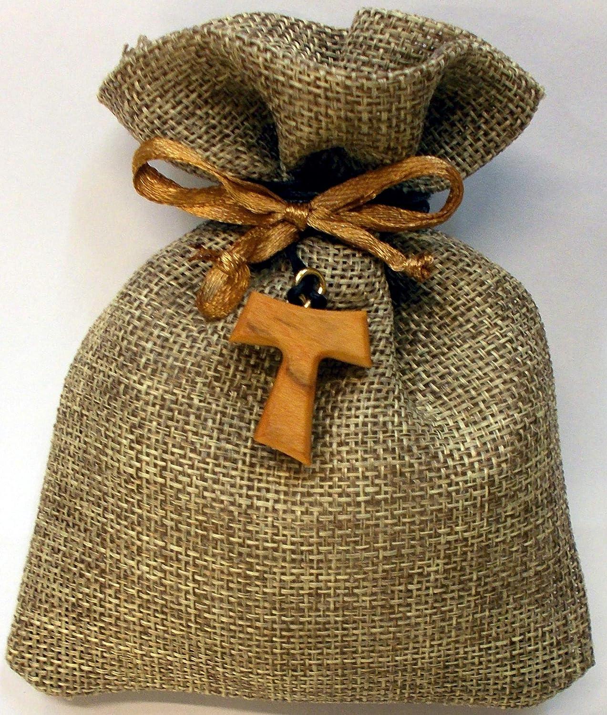 Assisireligioushop 10 Sacchetti di Stoffa Ecru confezionati con Tau francescano in Legno di ulivo (cm 2), 5 Confetti, Tulle e bigliettino