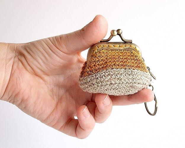 Llavero con mini monedero de ganchillo con boquilla: Amazon ...