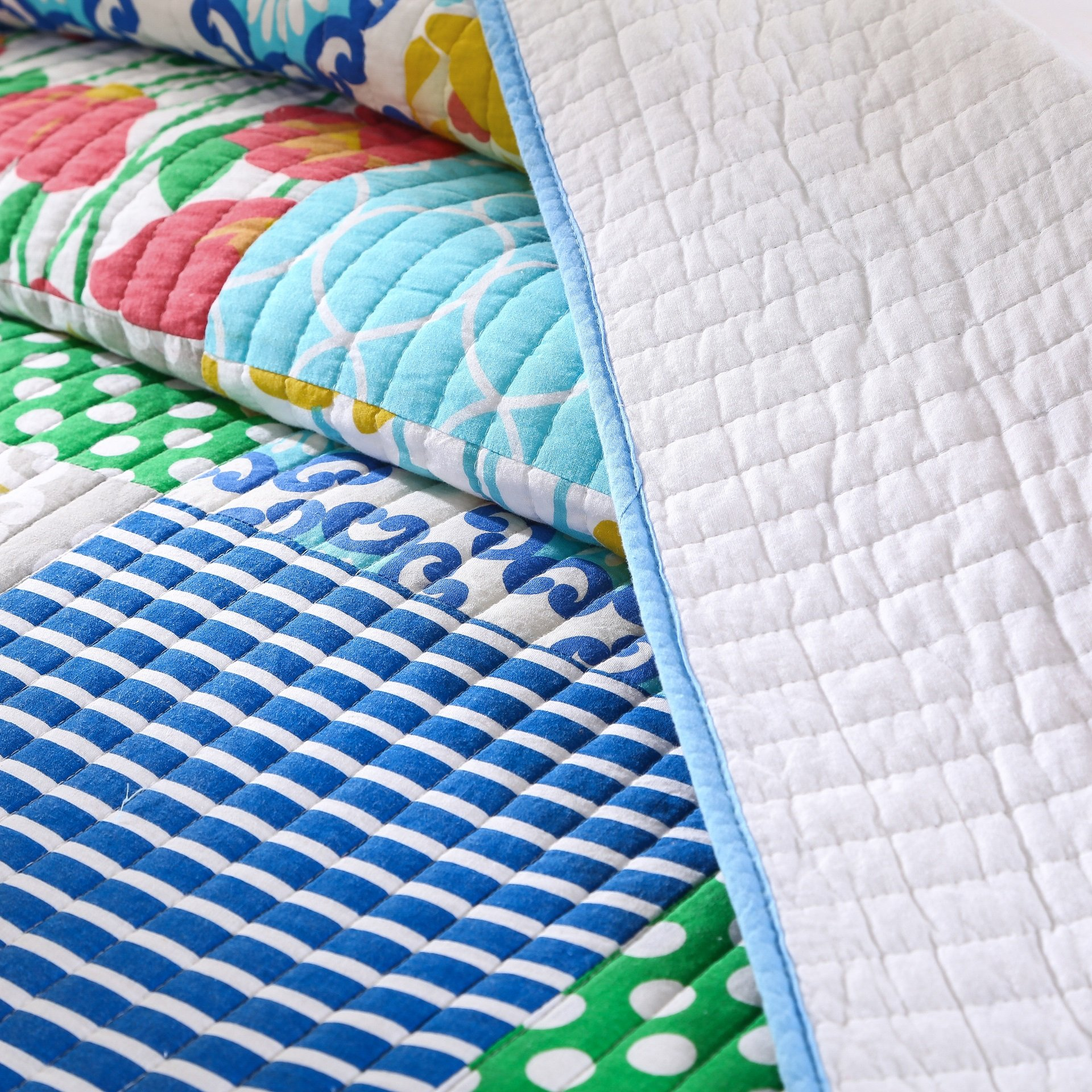 Tache Colorful Patchwork Quilt Bedspread - Dreamy Meadow - 3 Piece Cotton Spring Summer Floral Quilted Bedding Set - Pink, Blue, Yellow - King