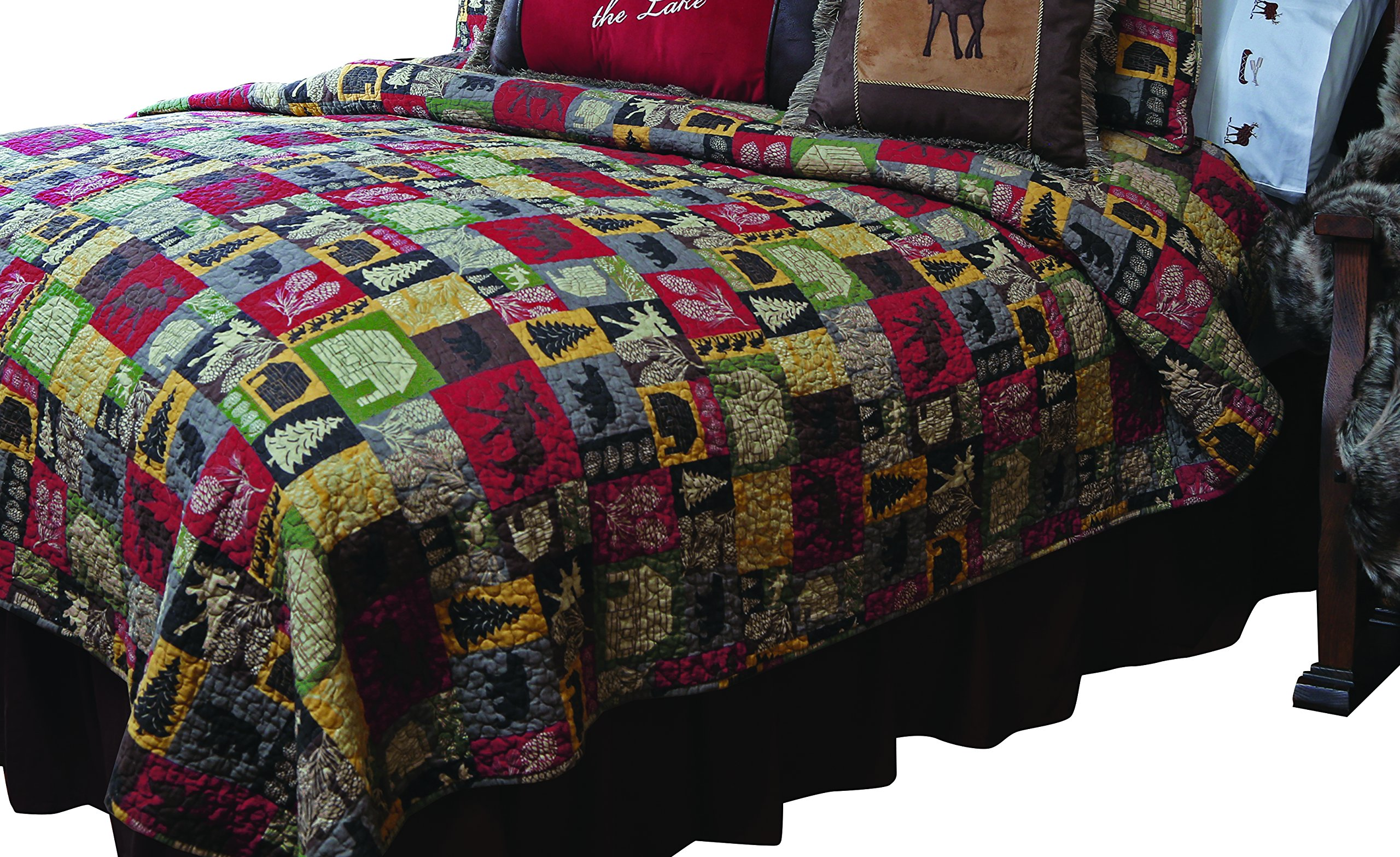 Carstens Cabin in The Woods Quilt Bedspread, King