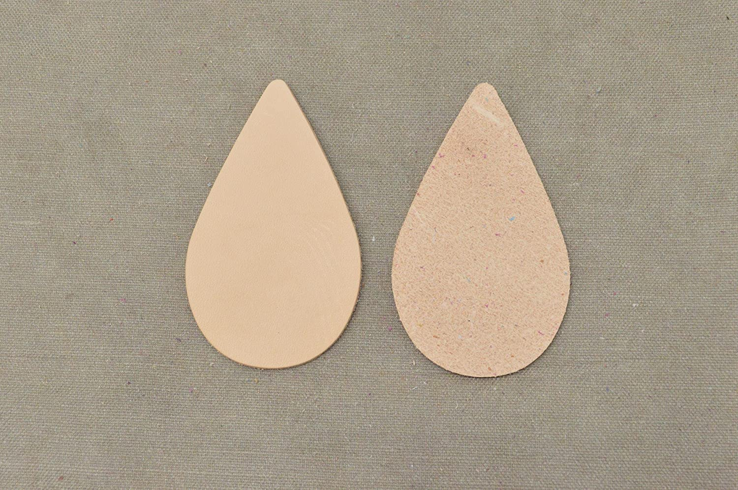 Small Circle The Leather Guy Leather Die Cut Earrings Veg Tan 5-6 oz Artisans Choice