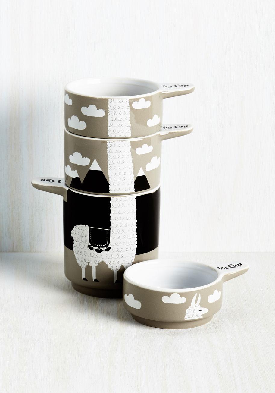 Alpaca a Punch Measuring Cups   Mod Retro Vintage Kitchen   ModCloth.com
