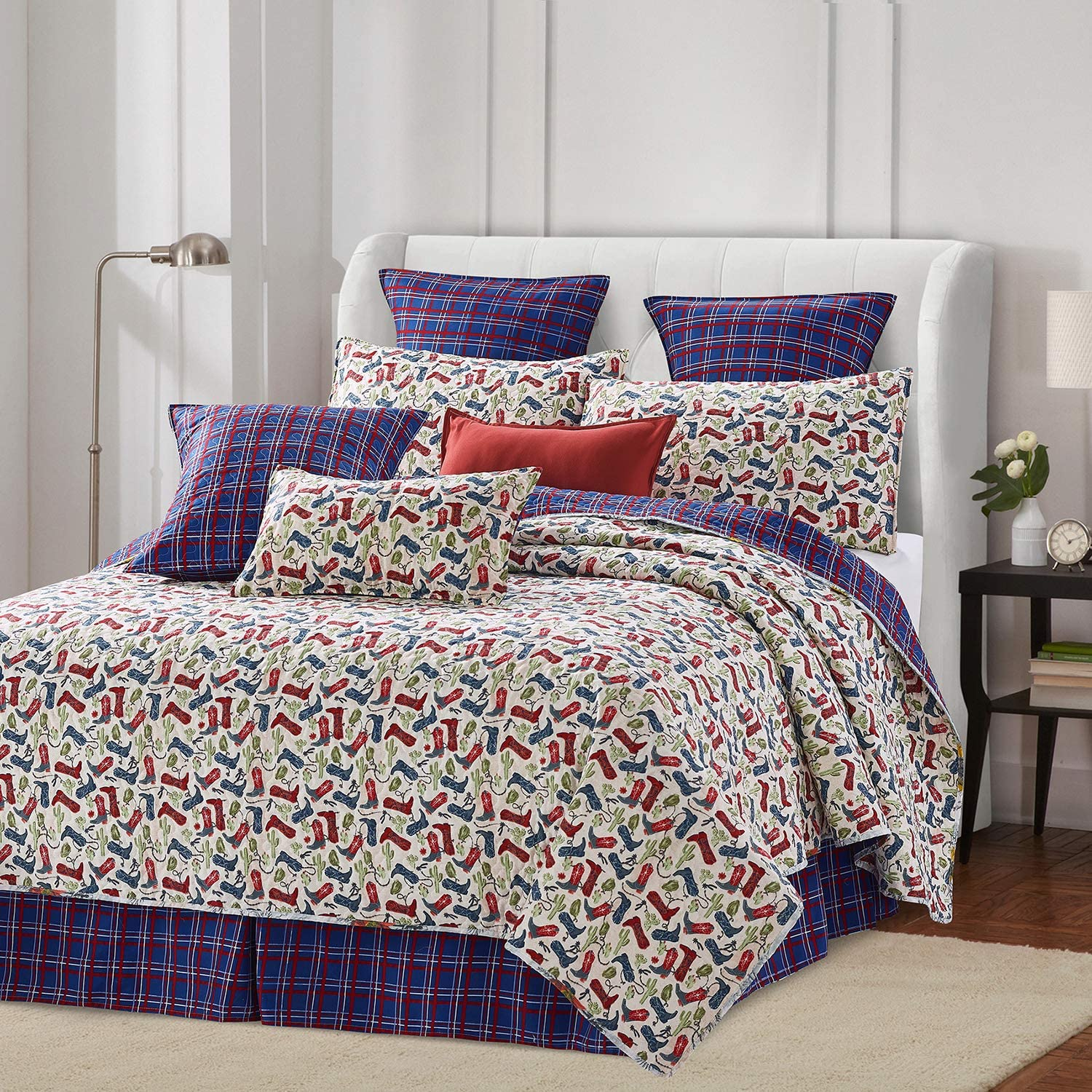 Virah Bella Western Love Western Bedding Set - Full/Queen Quilt and Standard Shams with Cowboy Boots Print
