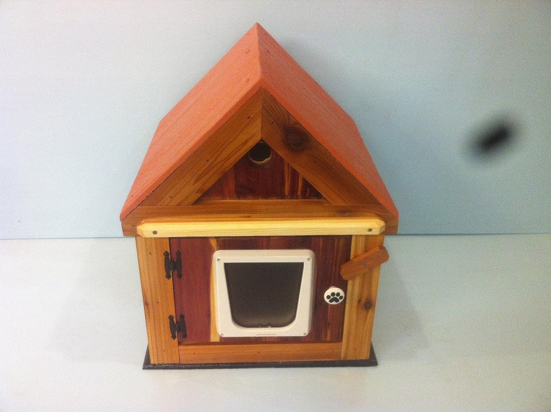 Cat House Amazoncom Ultimate Heated Cedar Cat House Cat Houses And