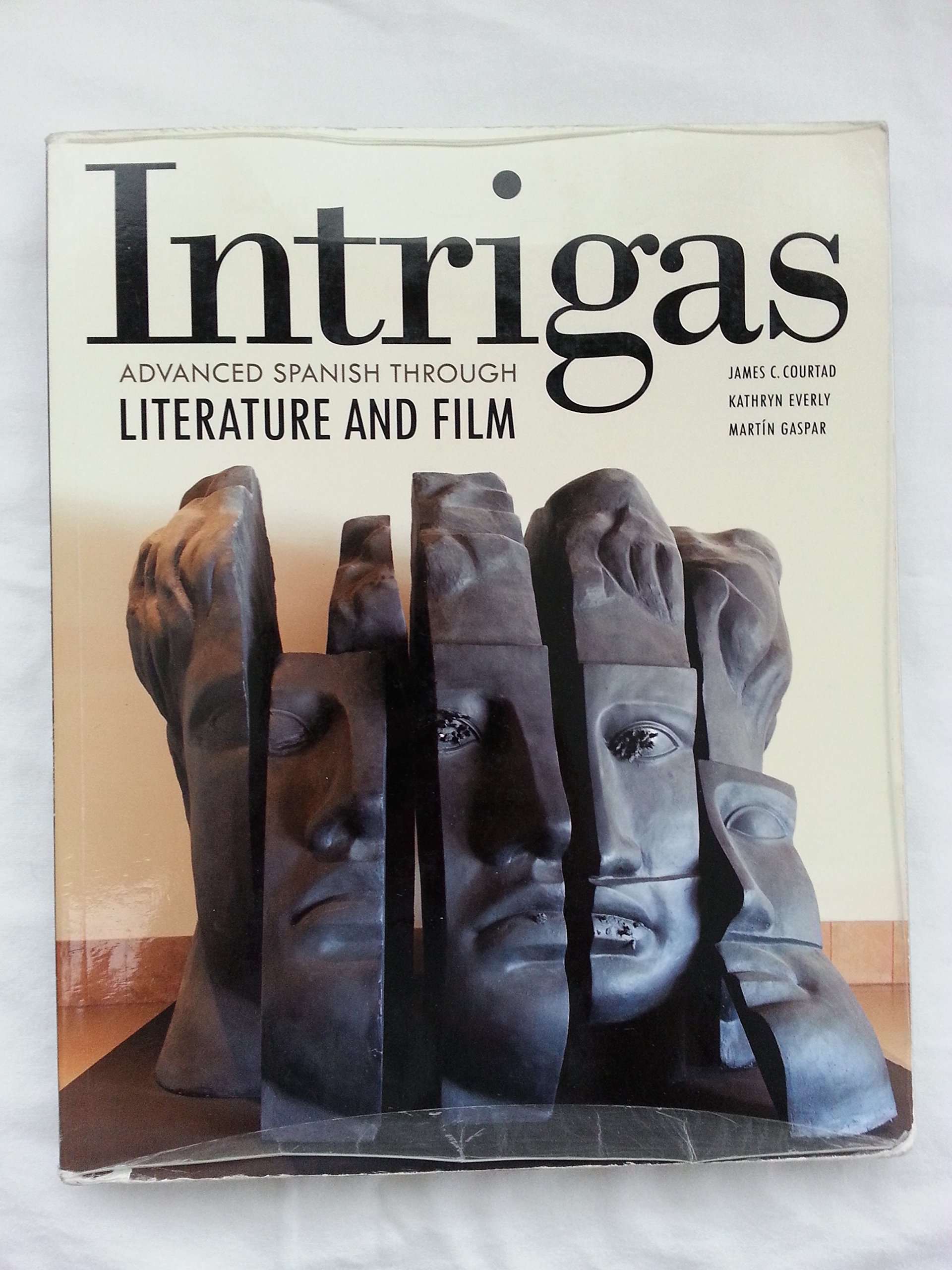 Intrigas: Advanced Spanish Through Literature And Film: Vista Higher  Learning: 9781617671036: Amazon: Books