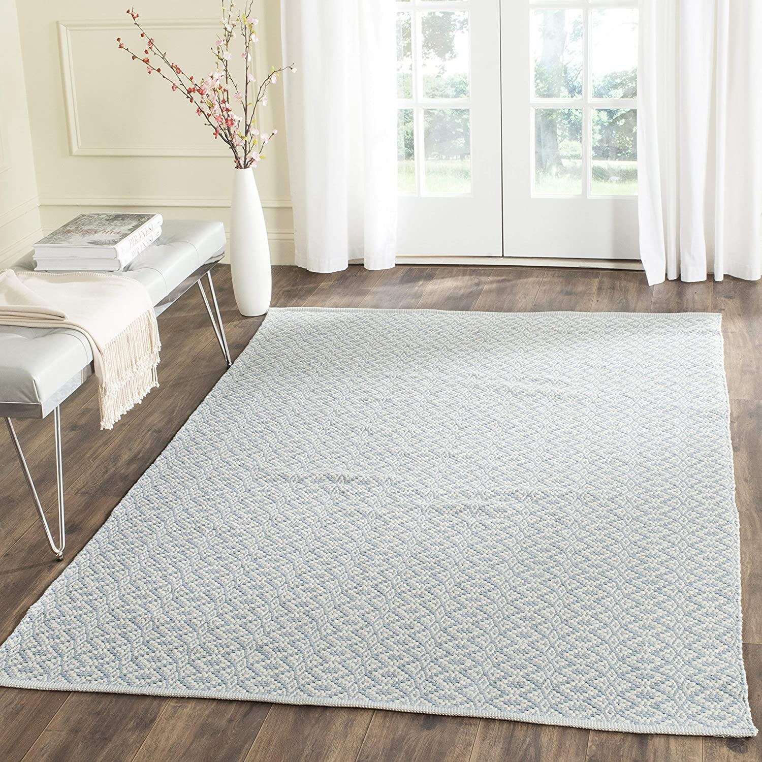 26 x 4 Safavieh Montauk Collection MTK716D Ivory and Black Area Rug MTK717B-24-P