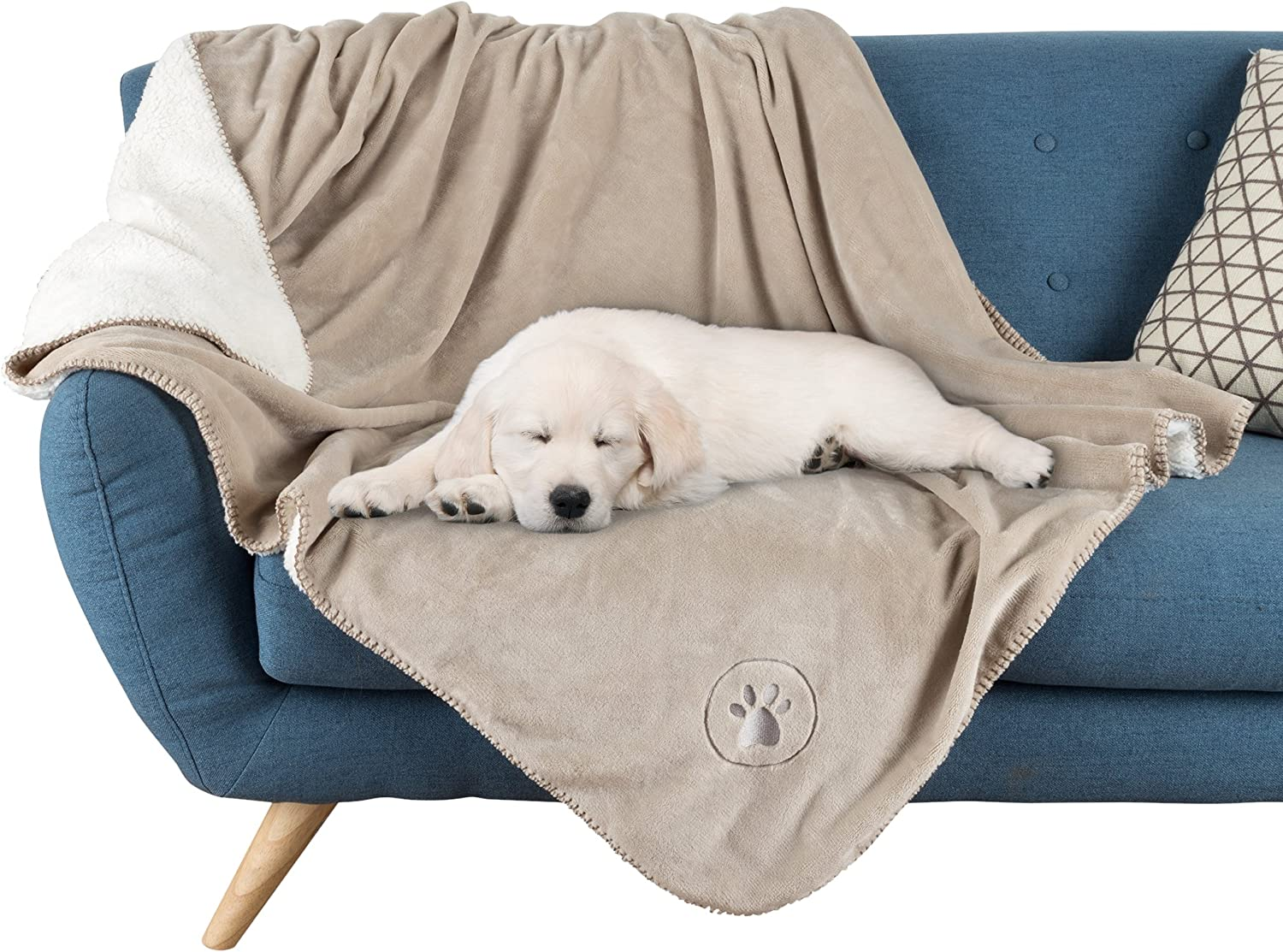 """Amazon.com : PETMAKER Waterproof Pet Blanket-50""""x60"""" Soft Plush Throw  Protects Couch, Chairs, Car, or Bed from Spills, Stains, or Pet Fur-Machine  Washable by Petmaker (Tan), Model Number: 80-PET6076 : Pet Supplies"""