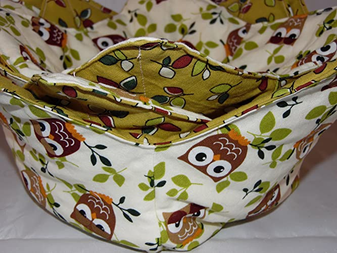 1 medium insulated reversible microwave bowl cozie ; bowl cozy.