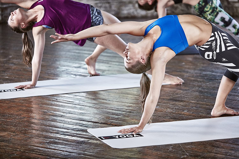 Esterilla para practicar yoga en casa