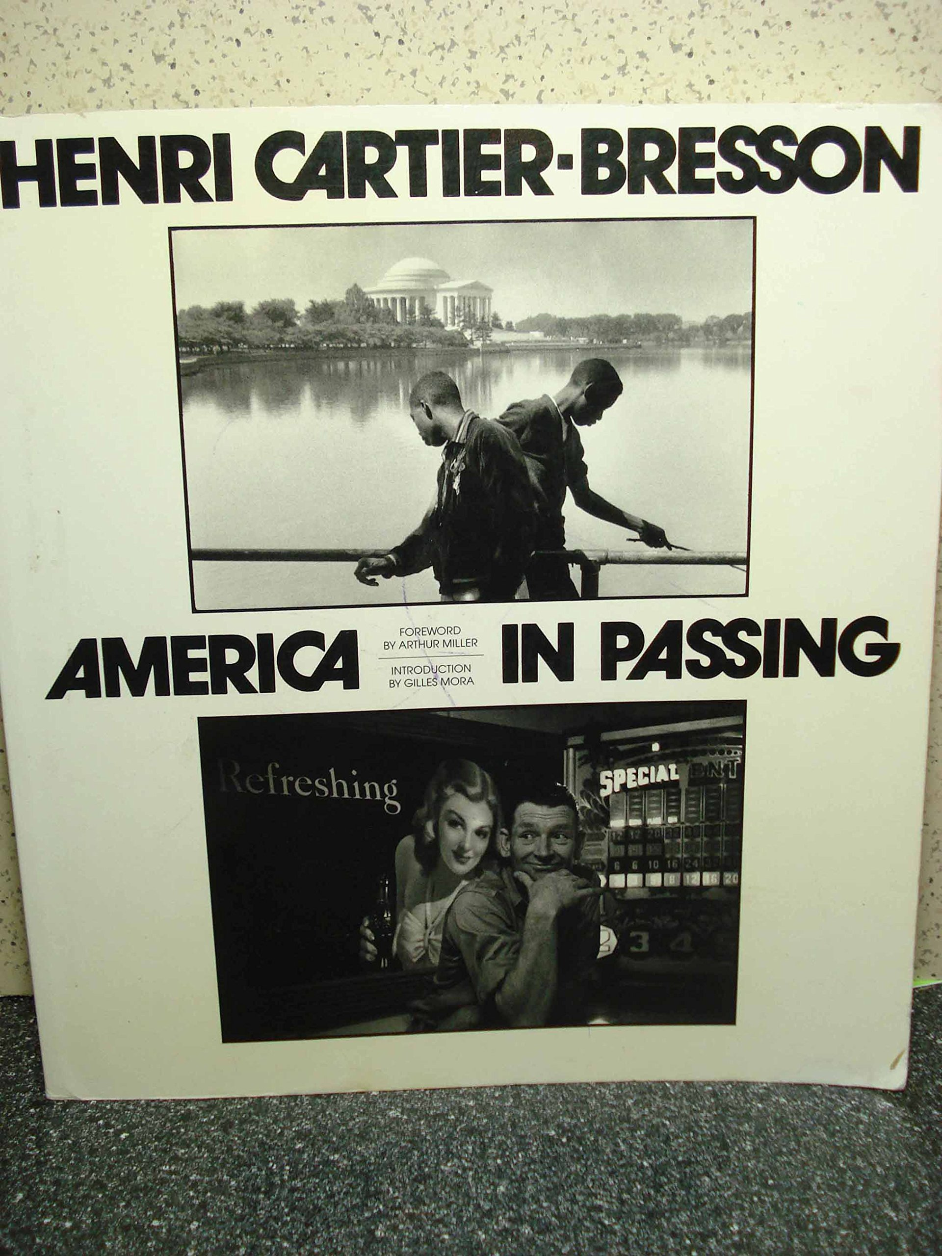 America in passing henri cartier bresson 9780821223321 amazon america in passing henri cartier bresson 9780821223321 amazon books fandeluxe Images