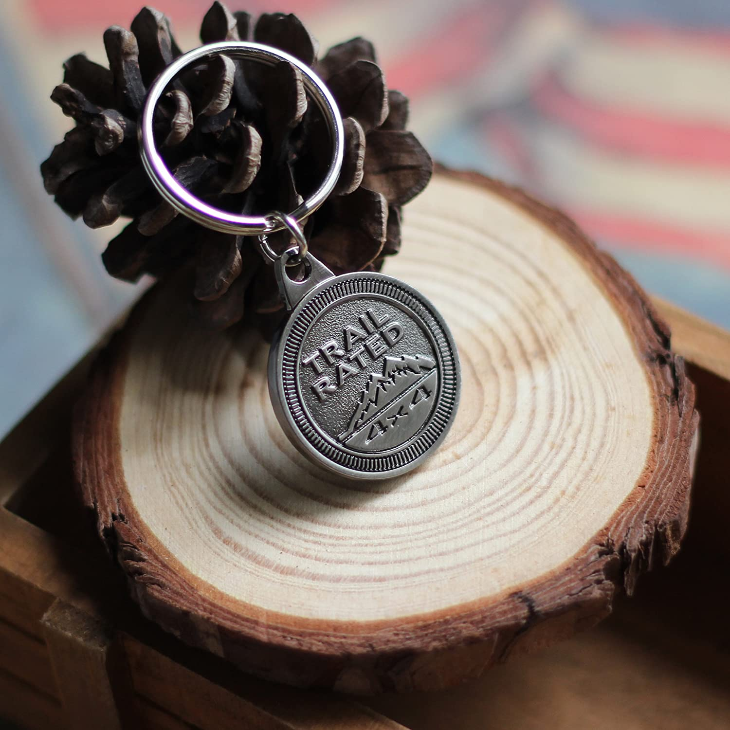 LROEZR 3D Font Jeep Badge Key Fob Antique Silver Keychain Chain Ring for Driver Enthusiast Automotive Keyring 5559031588