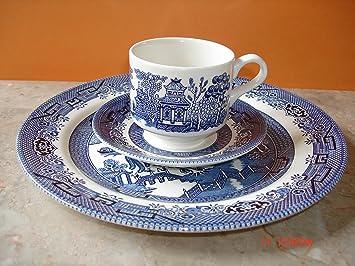 Churchill Blue Willow 3 Piece Dinner Set Plate Cup Saucer & Amazon.com | Churchill Blue Willow 3 Piece Dinner Set Plate Cup ...