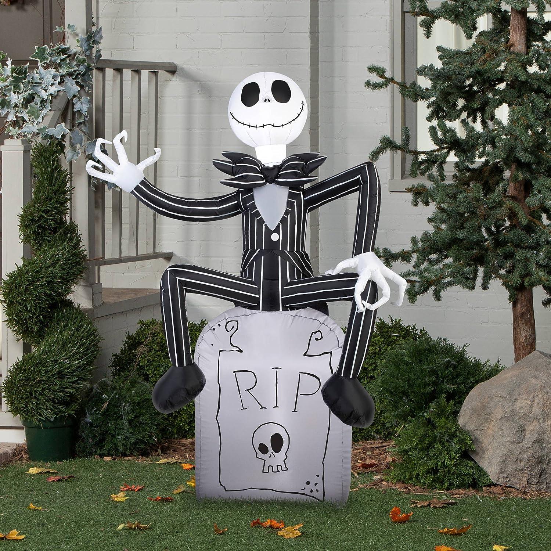 Amazon.com: Halloween Inflatable Outdoor Scarecrow A Nightmare ...