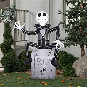 amazon com  gemmy halloween inflatable outdoor scarecrow a nightmare before christmas jack skellington on tombstone decoration airblow inflatable 5 u0027 x 3 5 u0027