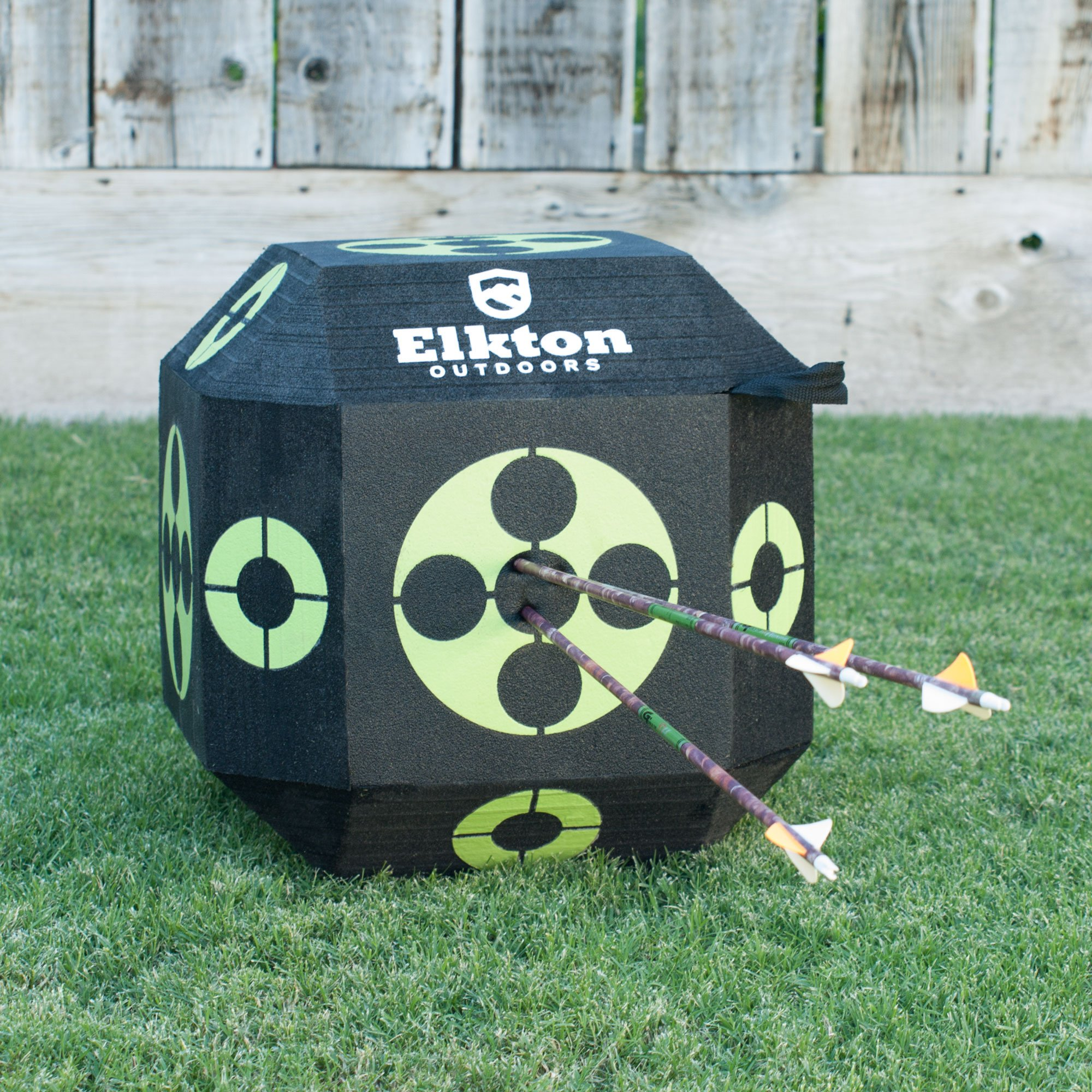 Elkton Outdoors 2017 Edition 18-Sided 3D Cube Reusable Archery Target Constructed With Arrow Puller & Rapid Self Healing XPE Foam for all Arrow Types by Elkton Outdoors (Image #4)