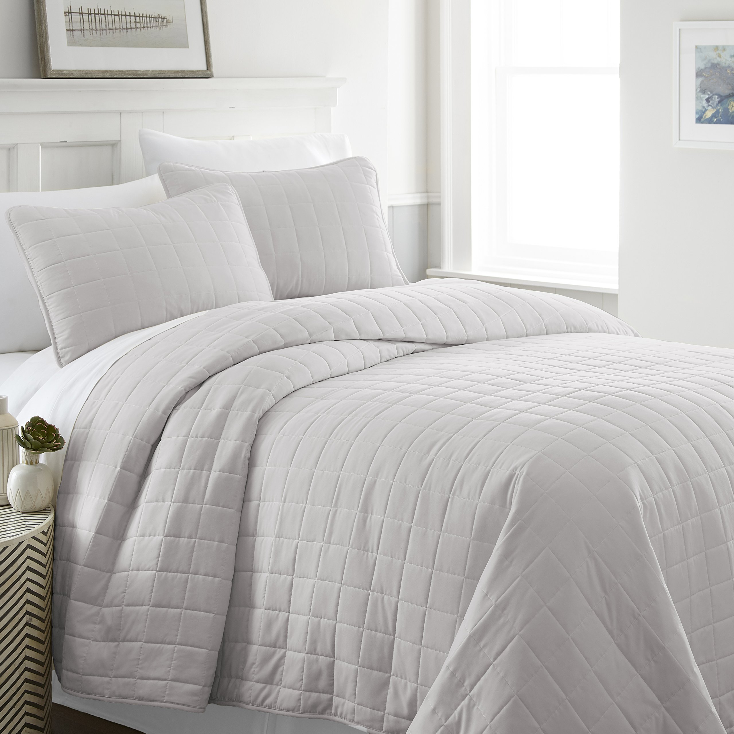 ienjy Home Square Patterned Quilted Coverlet Set, Queen, Gray