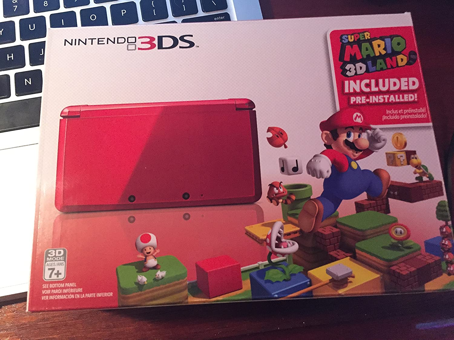 Nintendo 3DS with Super Mario 3D Land – Flame Red