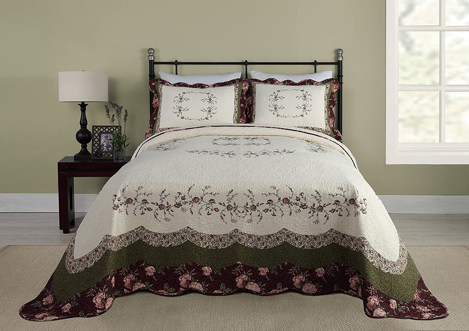 Modern Heirloom Collection Brooke Cotton Filled Bedspread, Queen
