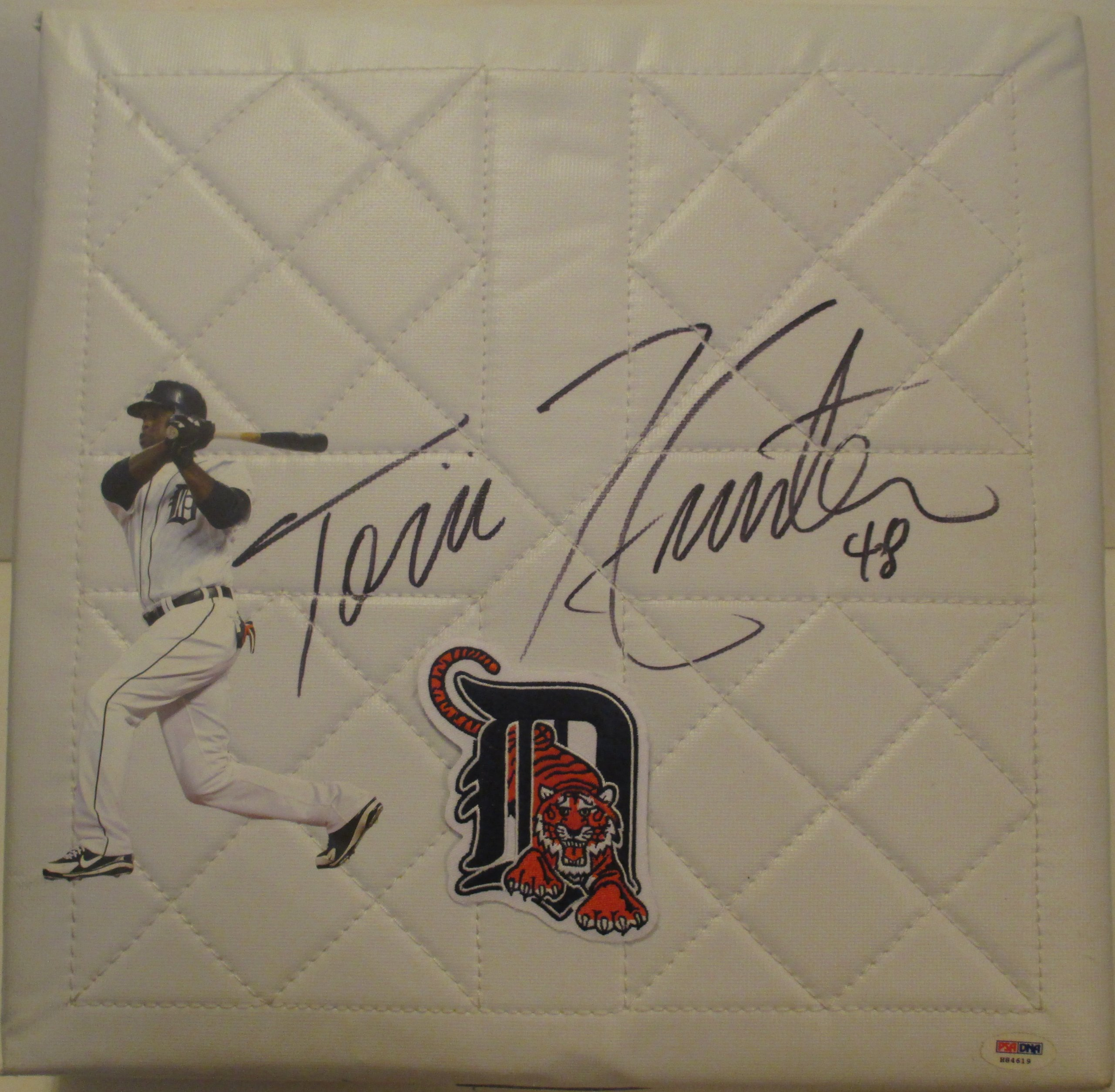 Detroit Tigers Torii Hunter Autographed Hand Signed Photo Full Size Baseball Base with PSA DNA Authentication