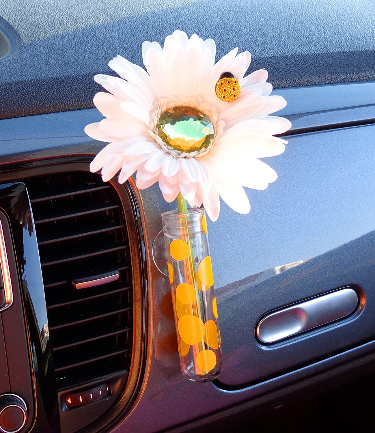 Amazon vw beetle flower white and yellow bling daisy with amazon vw beetle flower white and yellow bling daisy with universal vase automotive reviewsmspy