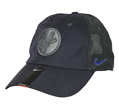 Amazon.com  Nike Men s Los Angeles Dodgers H86 Trucker Strapback Cap ... 96c95e80d6a