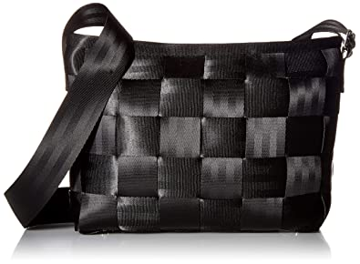 f65960eadc75 Amazon.com  Harveys Seatbelt Bag Women s Messenger Black One Size  Shoes