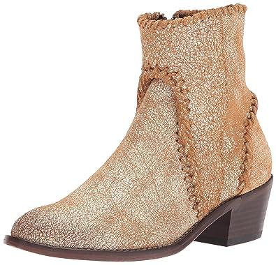 ed0901db1ca2 Amazon.com | Very Volatile Women's Varela Western Boot | Ankle & Bootie
