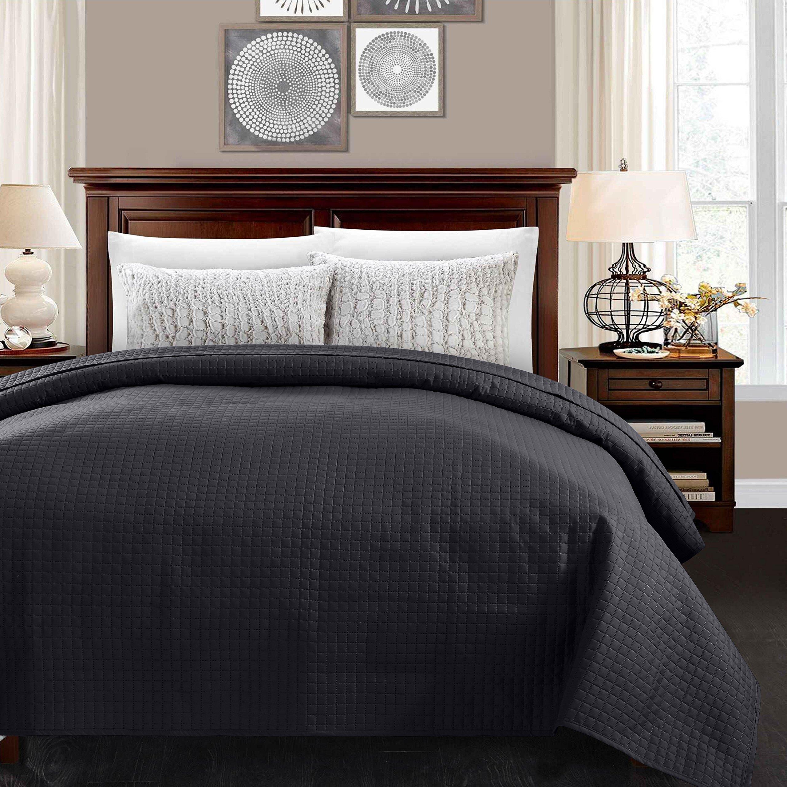 ALPHA HOME Lightweight Bedspread Twin Size Summer Blanket Bed Quilt, Black