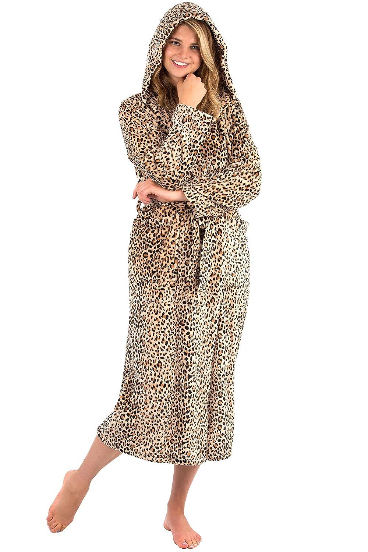 b62e8bc7b9 ... Long VEAMI Womens Aspen Ultra-Soft Plush Warm Fleece Bathrobe with Hood