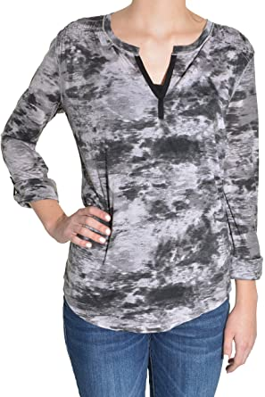 882f952959c4 Calvin Klein Womens Long Sleeve Roll Tab V-Neck Tee at Amazon Women s  Clothing store