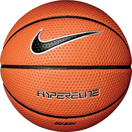 70d2dd4056c Nike Hyper Elite 8P Basketball  Amazon.co.uk  Sports   Outdoors