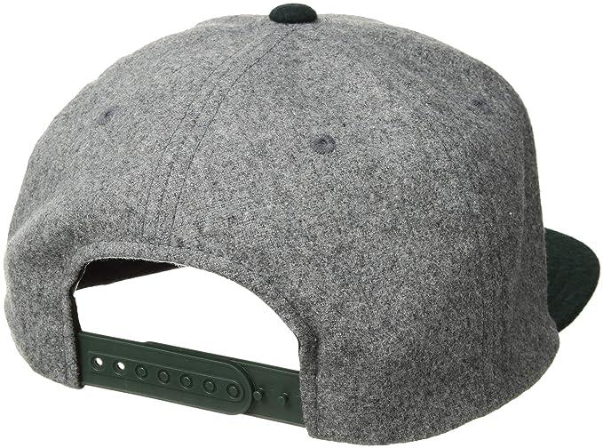 b5e80ec28f143 Amazon.com  Volcom Men s Quarter Fabric Hat  Clothing