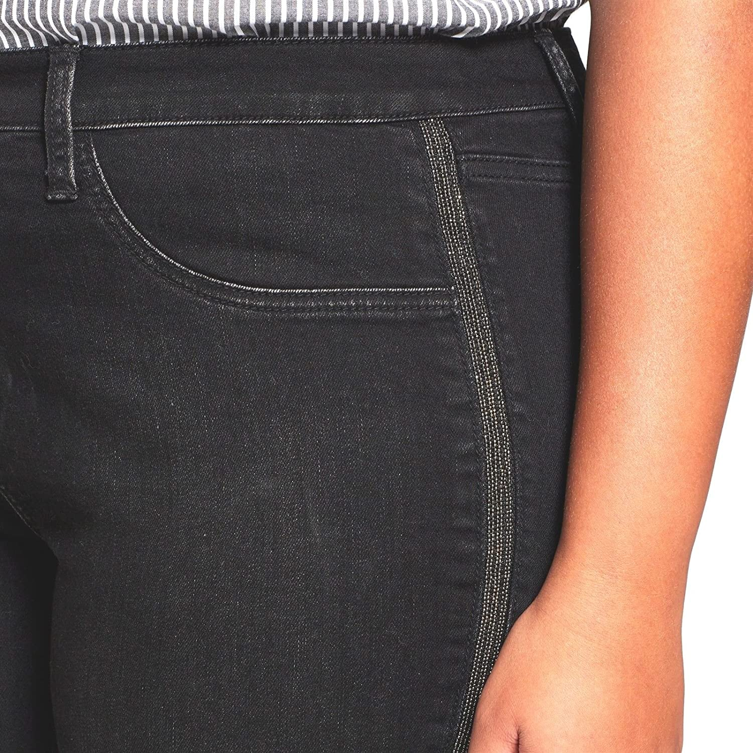 9920cdfb91f7b Ava & Viv Women's Plus Size Mid Rise Skinny Power Stretch Jegging - Black  Solid - at Amazon Women's Jeans store