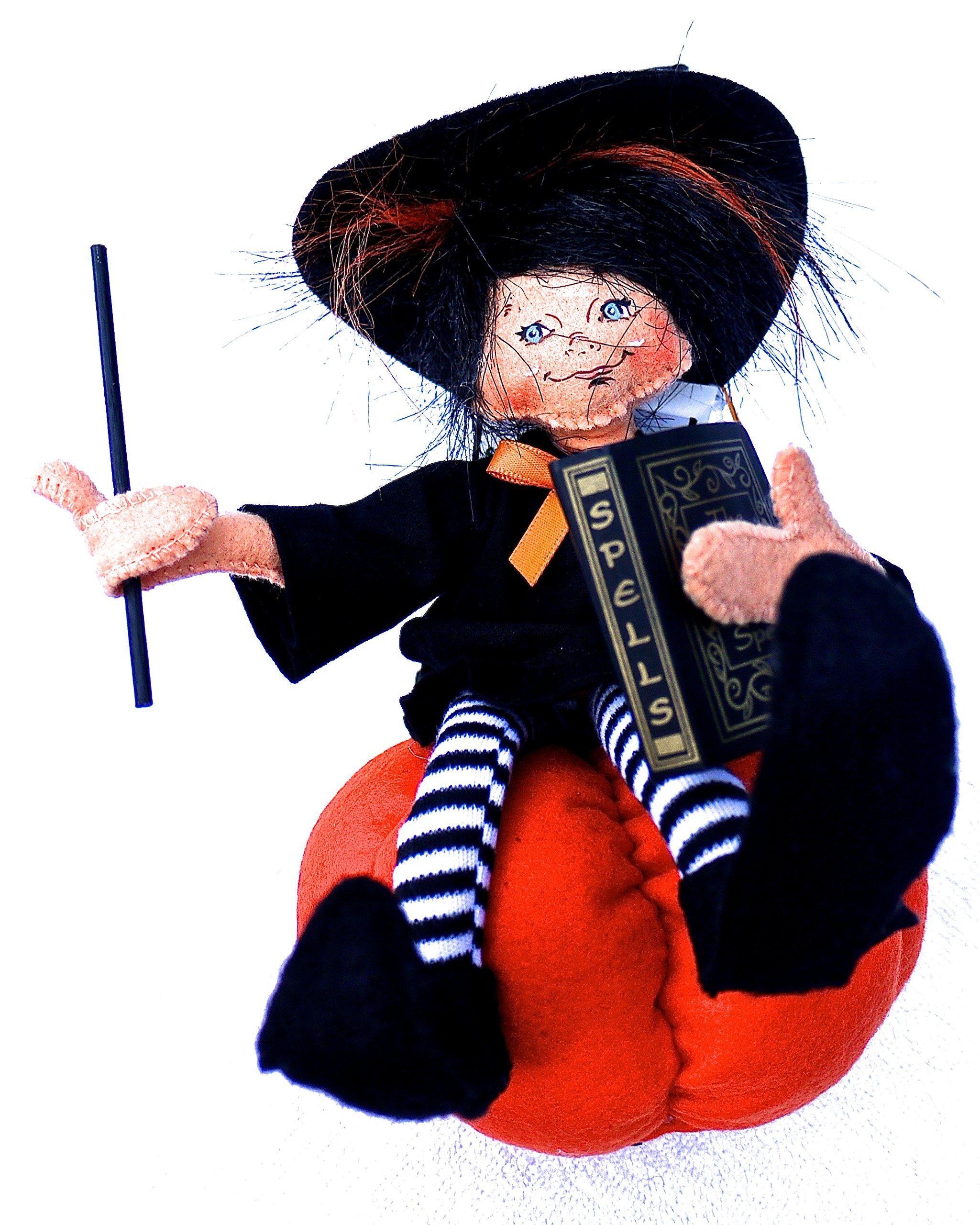 Annalee 7'' Witch Kid on Pumpkin (2012)