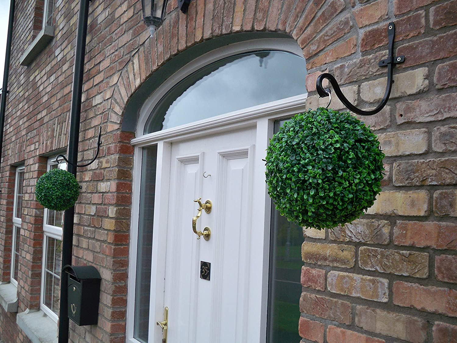 Best Artificial Pair of 28cm Green Boxwood Buxus Grass Hanging Topiary Balls