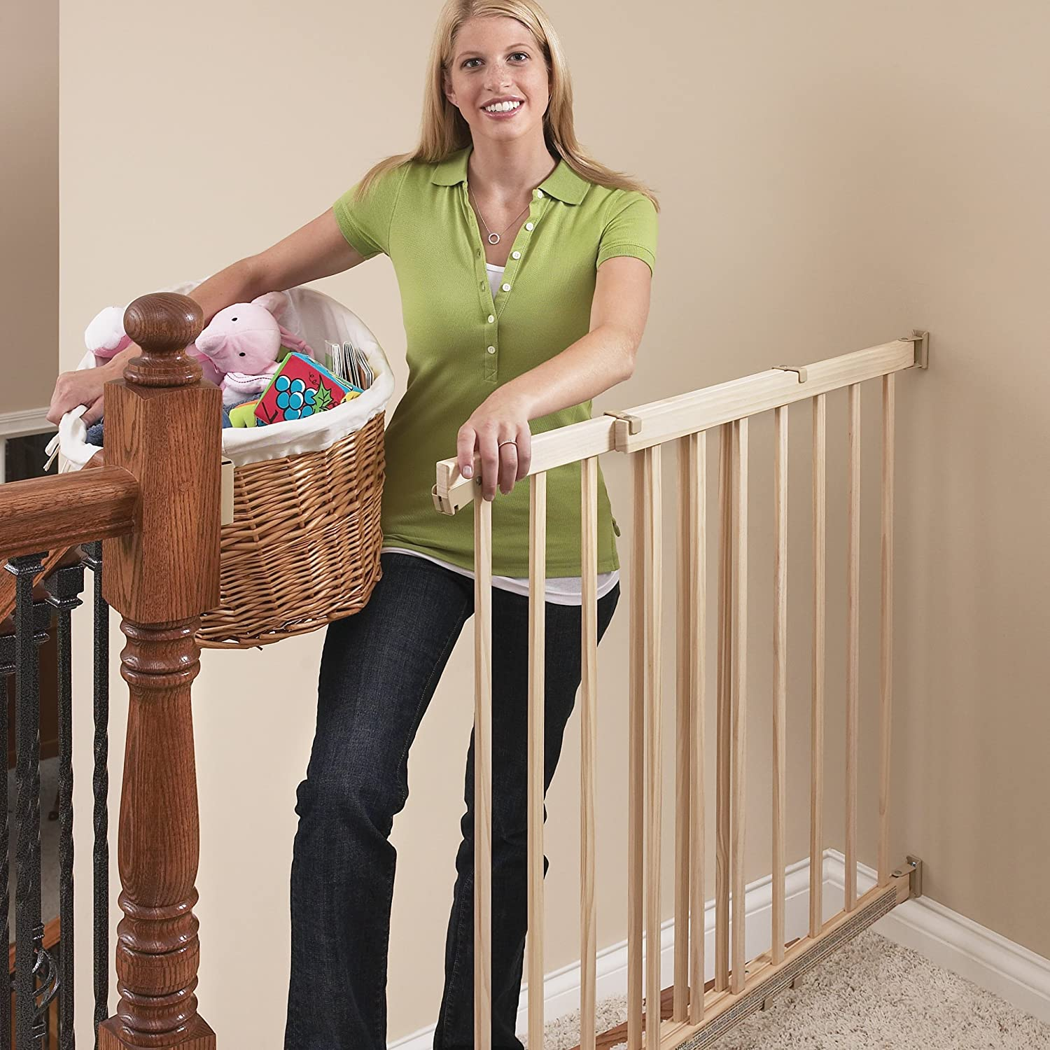 Amazon.com : Evenflo, Top Of Stairs, Extra Tall Gate, Hardware Mounted :  Indoor Safety Gates : Baby