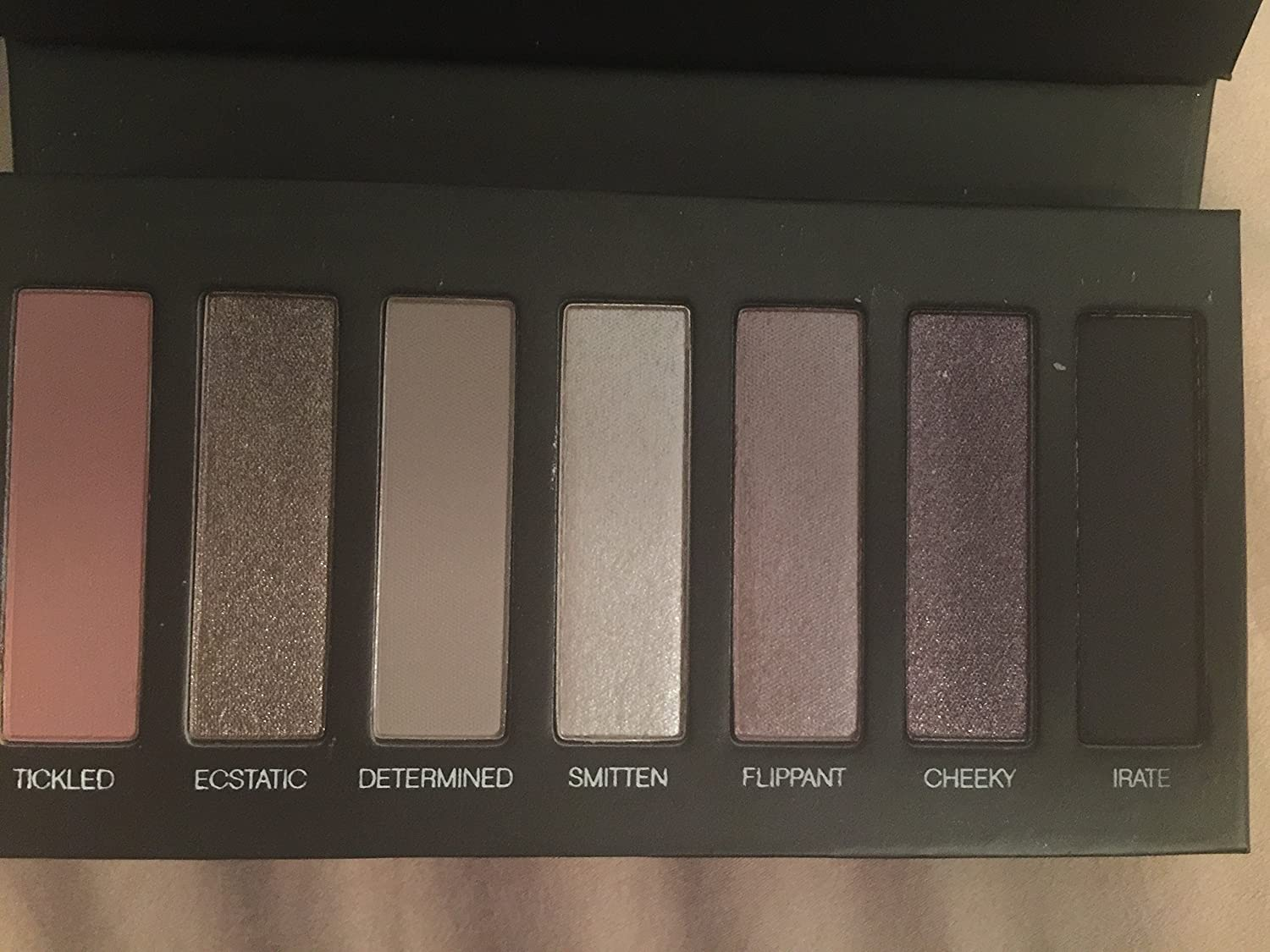 Younique Moodstruck Addiction Shadow Palette 3 Cool With Shades Of Pink And Purple