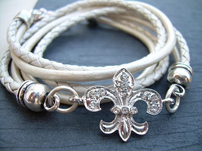 dd2011a9510 Amazon.com  Crystal Fleur De Lis Leather Bracelet