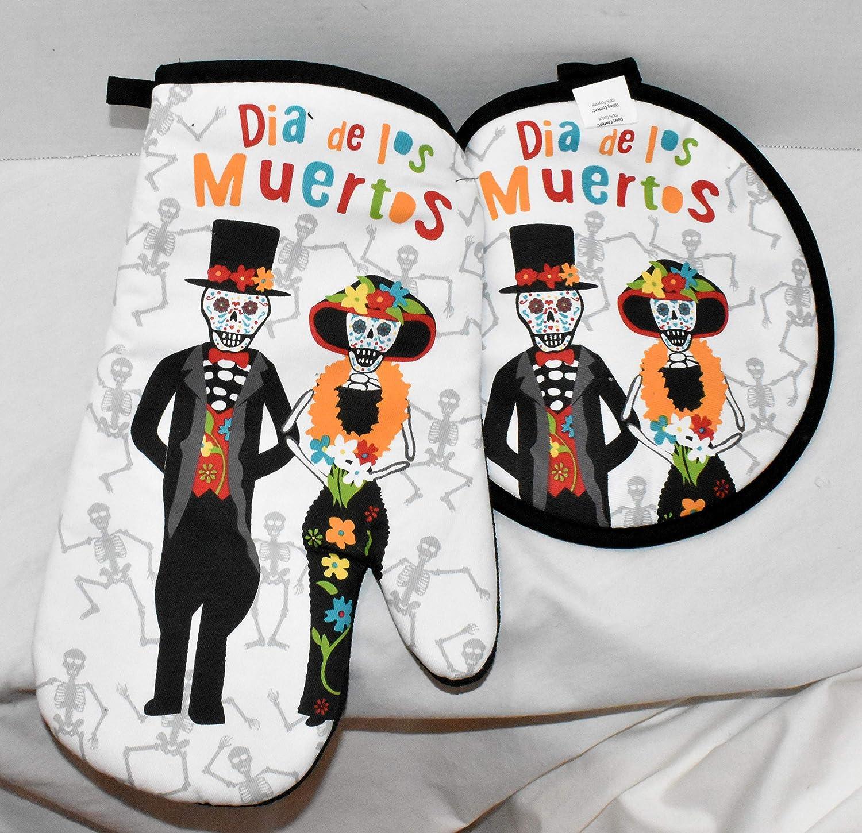 Gourmet Club New 2pc Mr. & Mrs. Dia de Los Muertos Day of The Dead Colorful Sugar Skulls Heat Resistant Oven Mitt & Pot Holder