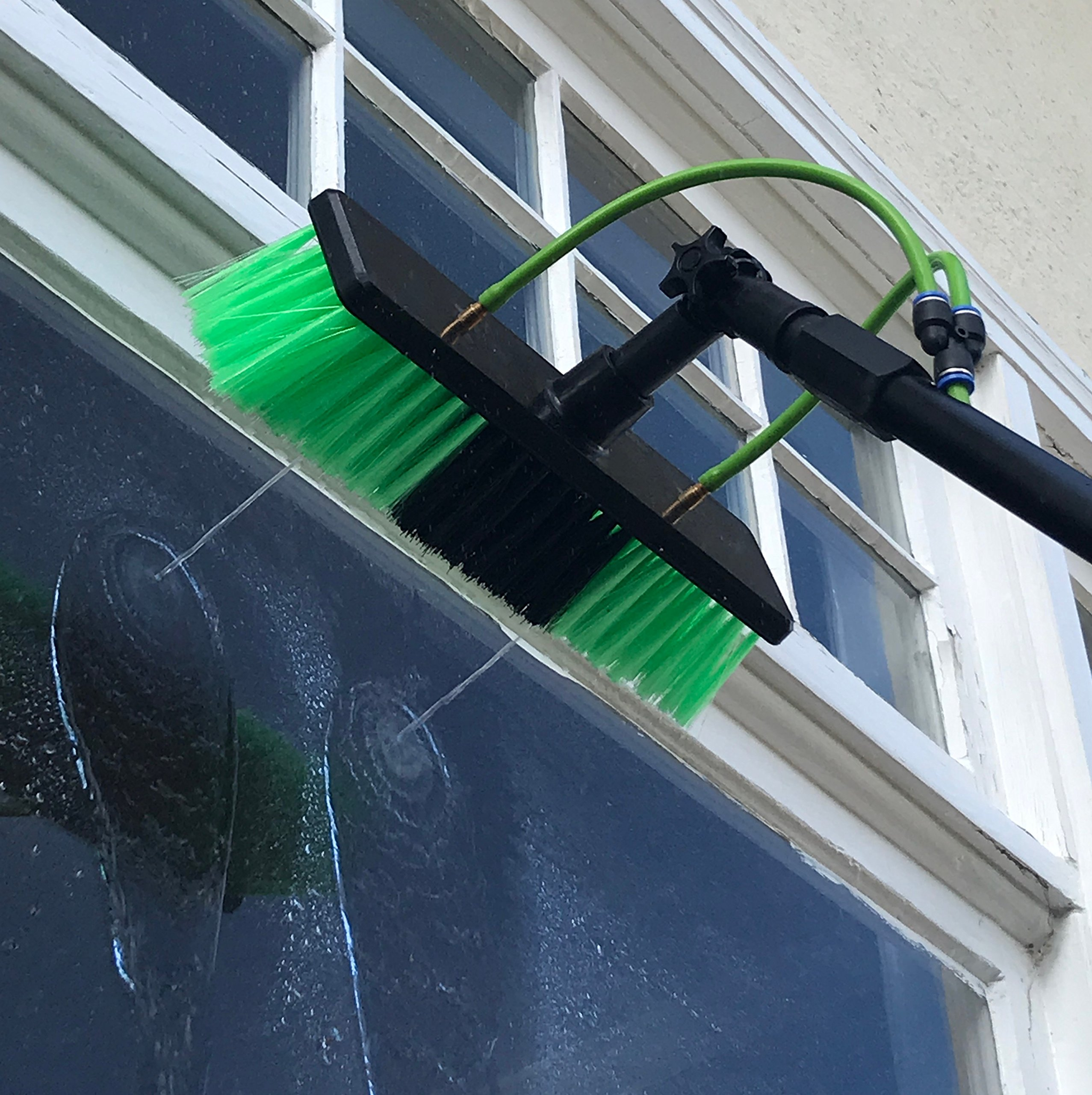 30 ft Water Fed Pole, Window & Solar Panel Cleaning Tool with Brush & Squeegee AquaSpray by EquipMaxx by EquipMaxx AquaSpray (Image #5)