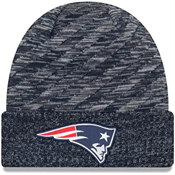 dae55a7cce0cfc New Era NFL Sideline 2018 Knit Beanie - New England Patriots: Amazon ...