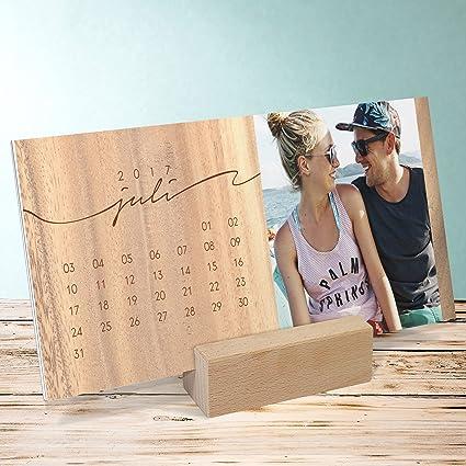 foto-kalender-gestalten-jahresringe-tischkalender-aufstellkalender-260x120-mm-mit-edlem-holzfuss-fotokalender-2017