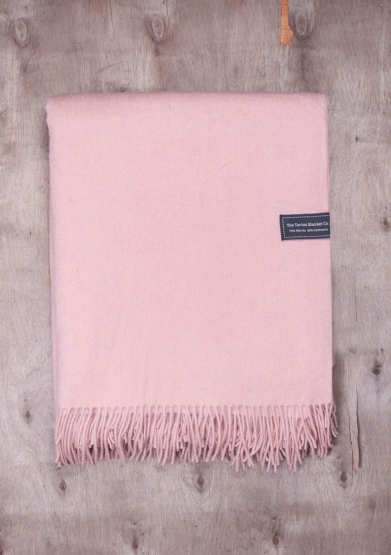 The Tartan Blanket Co 150cm x 195cm Couverture en m/érinos /& Cachemire Rose Pink//Rose