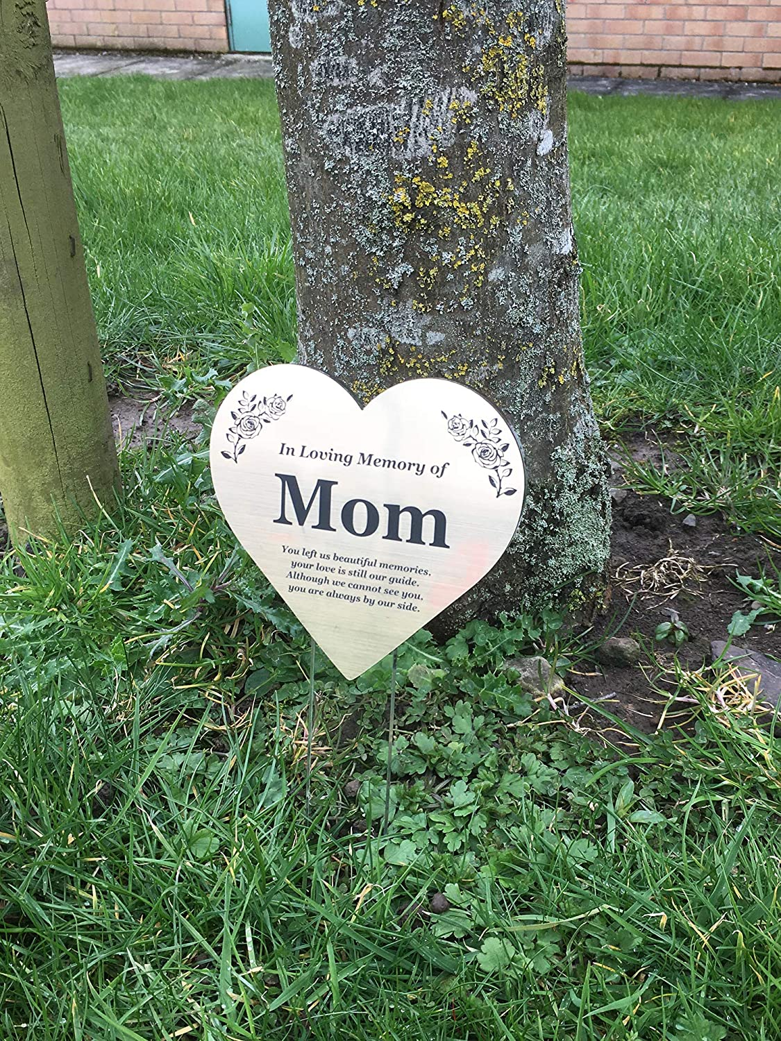 OriginDesigned MOM Floating Heart Memorial Remembrance Plaque Stake - Metallic Gold