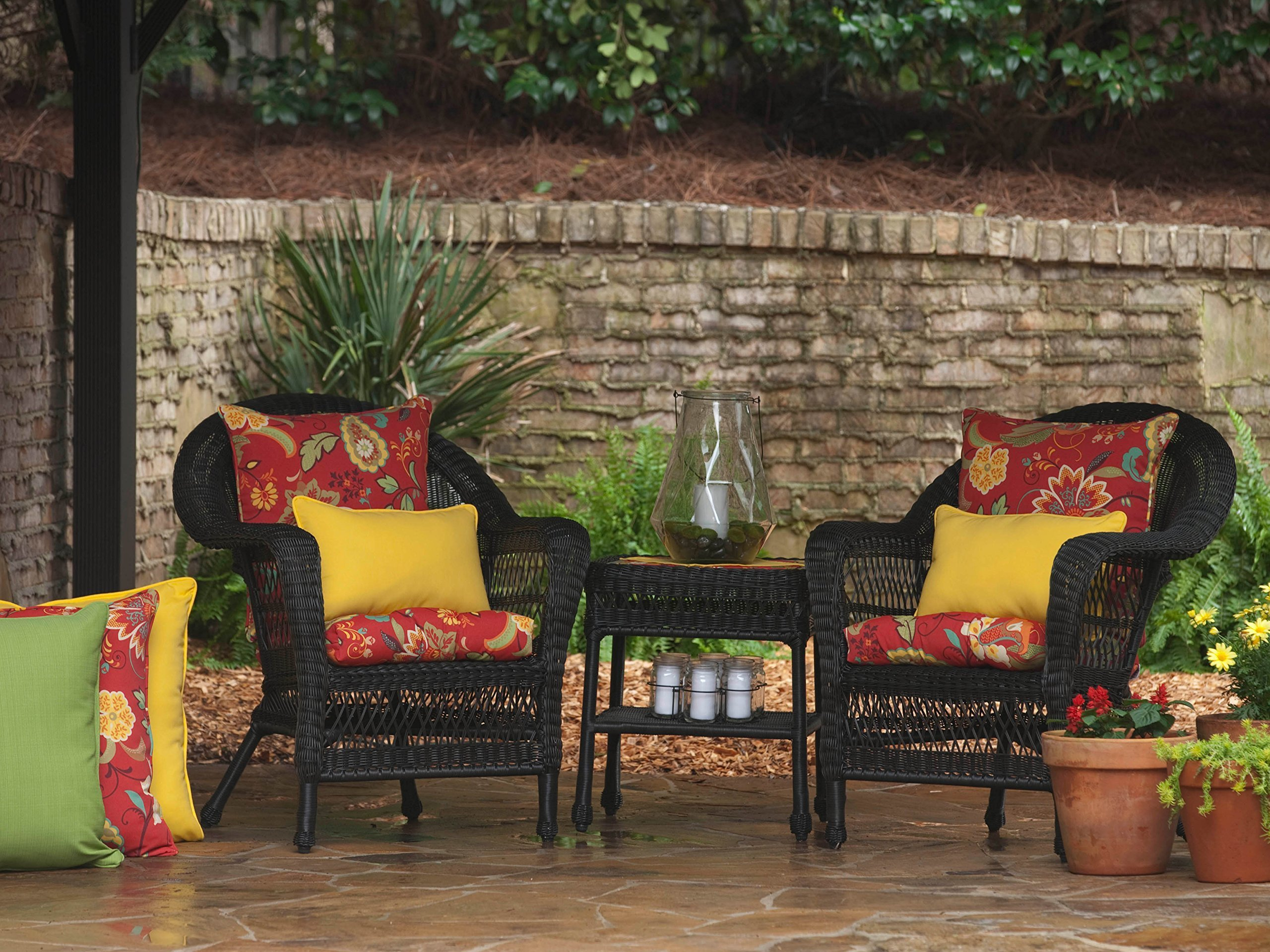 Pillow Perfect Outdoor Fresco Yellow Rectangular Throw Pillow, Set of 2 - Includes two (2) outdoor pillows, resists weather and fading in sunlight; Suitable for indoor and outdoor use Plush Fill - 100-percent polyester fiber filling Edges of outdoor pillows are trimmed with matching fabric and cord to sit perfectly on your outdoor patio furniture - living-room-soft-furnishings, living-room, decorative-pillows - 91Wr8UFq6GL -