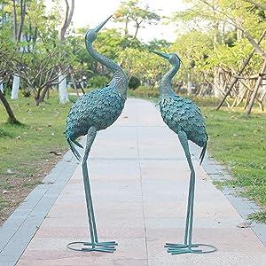 Oritty Crane Garden Statue Decor, Metal Decorative Crane Bird Yard Art for Outdoor Lawn Patio Backyard, Garden Sculpture & Statues, Set of 2, Bronze