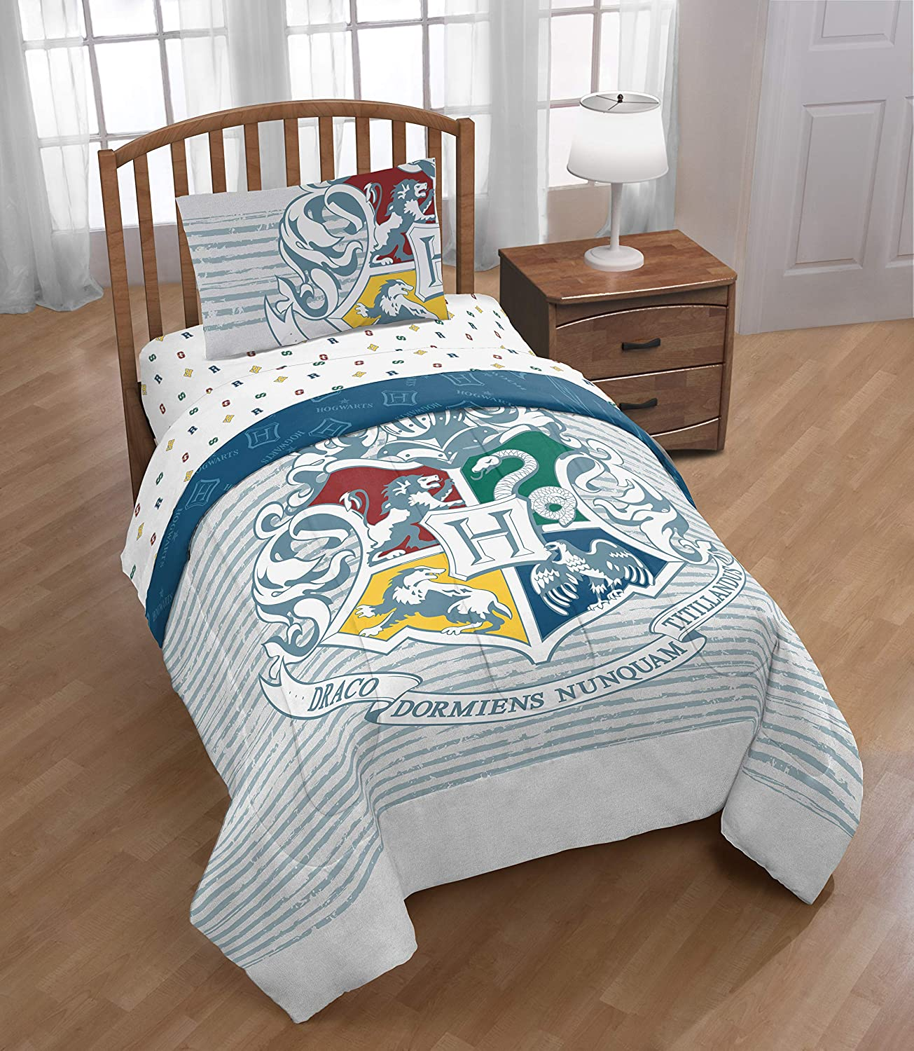 Jay Franco Harry Potter Witchcraft & Wizardry Bed Set, Full